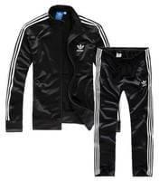 Распродажа спортивной одежды Адидас фото